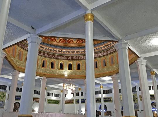 Arsitektural Masjid Raya Ruhama