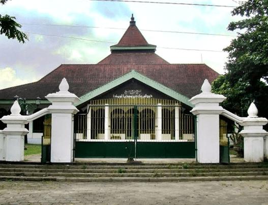 Masjid Agung Dr. Wahidin Soedirohoesoedo