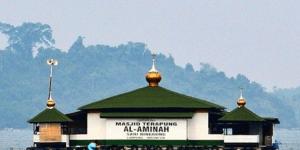 Masjid Al-Aminah – Masjid Yang Benar-Benar Terapung di Teluk Lampung