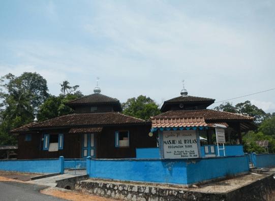 Masjid Al-Ikhlas Sijuk – Masjid Tertua di Belitung