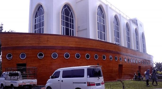Masjid As-Safinatun Najah – Masjid Kapal Nabi Nuh Semarang