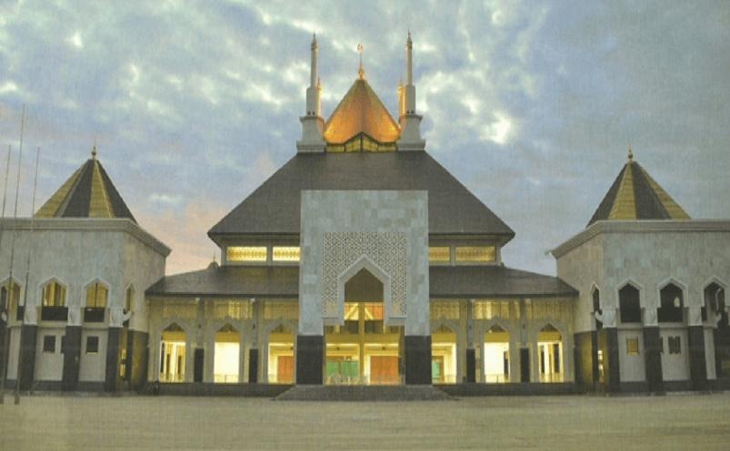 Masjid Islamic Center Baitul Mukhlisin Lampung Barat