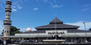 Masjid Raya Husnul Khatimah Kotabaru Kalimantan Selatan