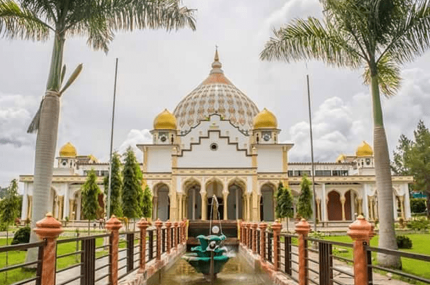 Masjid Raya Ruhama Takengong Aceh Tengah