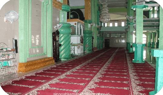 interior Masjid Agung Riyadhus Shalihin