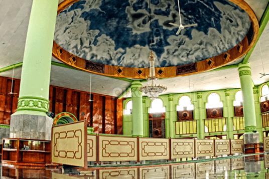 interior Masjid Agung Sumber – Kabupaten Cirebon