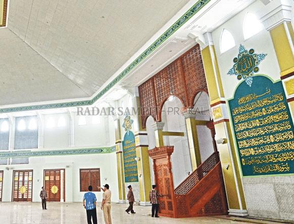 interior Masjid Agung Wahyu Al-Hadi