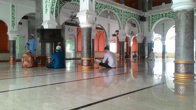 interior Masjid Baitul A'la Lilmujahidin – Masjid Beras Segenggam – Pidie, Aceh