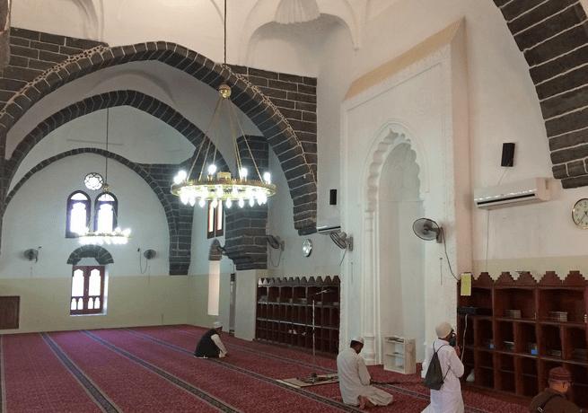 interior Masjid Ghamama Madinah