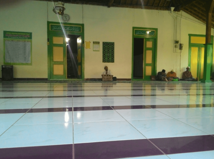 interior Masjid Jami' At-Taqwa Tawangrejo