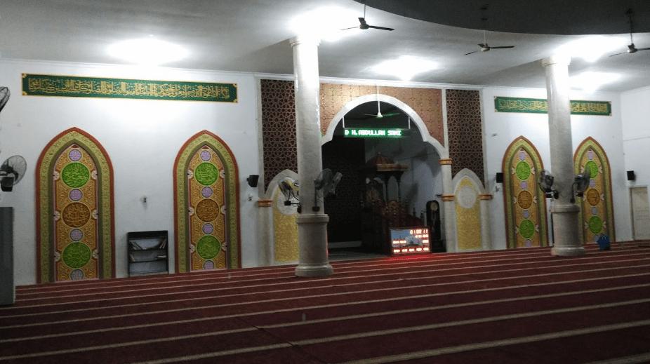 interior Masjid Raya Al-Muttaqin Pangkalan, Kerinci