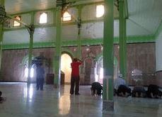 interior Masjid Uswatun Hasanah, Nagreg