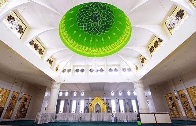 interior masjid agung al itihad