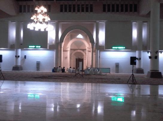 interior masjid agung annur