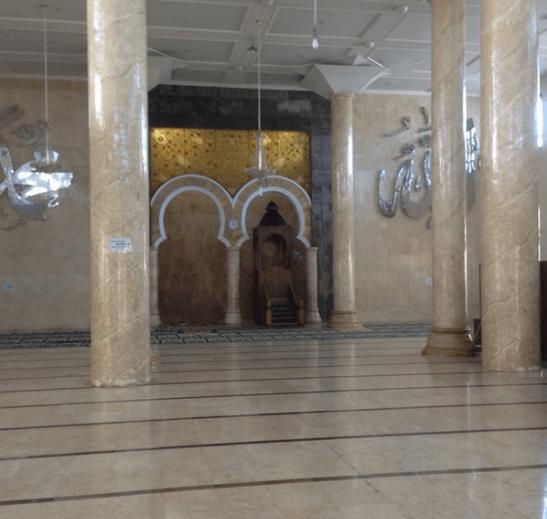 interior masjid agung at-taqwa