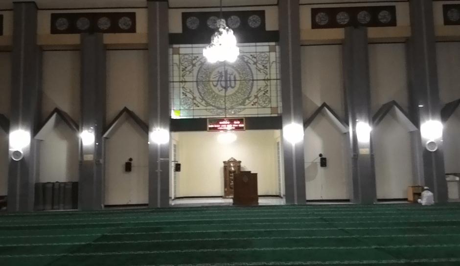 interior masjid agung garut