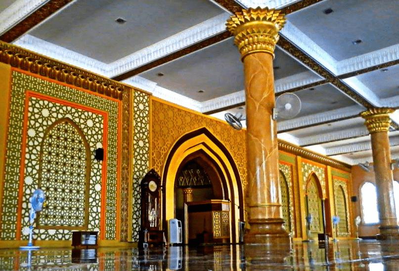 interior masjid agung istiqamah