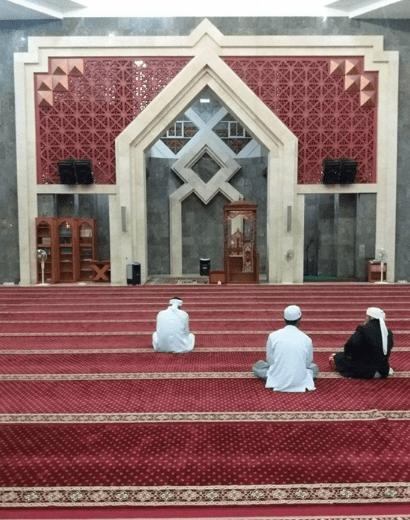 interior masjid agung karimun