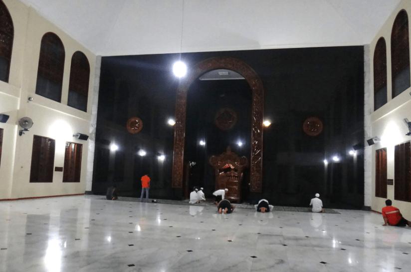 interior masjid agung kediri