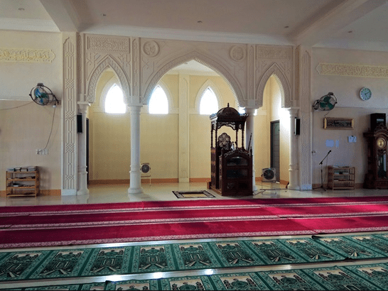 interior masjid baitul makmur krueng sabee
