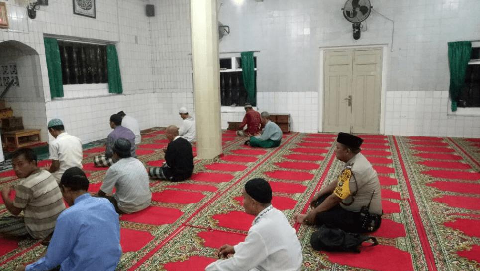 interior masjid jami' kampung baru