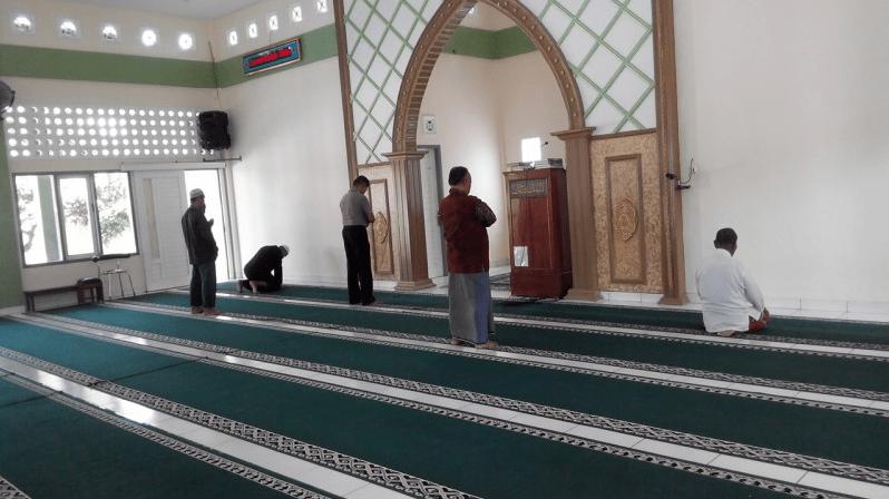 interior masjid jendral soedirman
