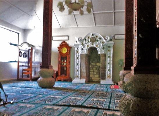 interior masjid sunan muria