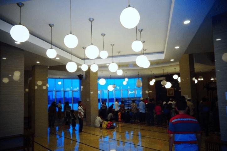 interior masjid terapung