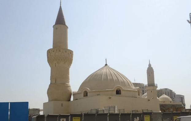 kubah dan menara Masjid Abu Bakar As-Shidiq R.A – Madinah