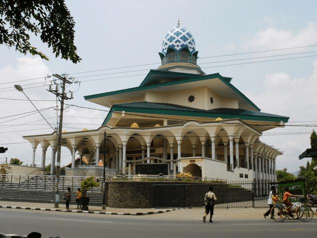 masjid agung kediri