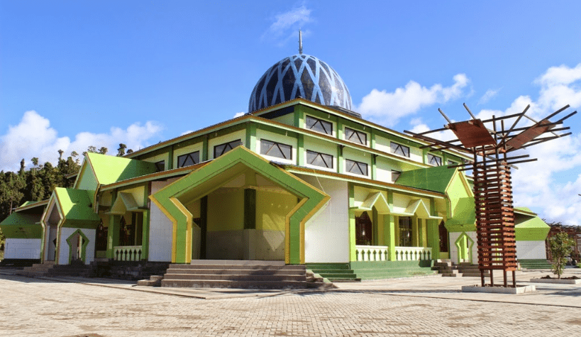 masjid agung waisa raja ampat.