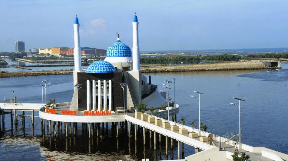 masjid terapung di makasar