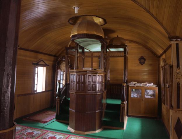 mimbar Masjid Asasi Nagari Gunung