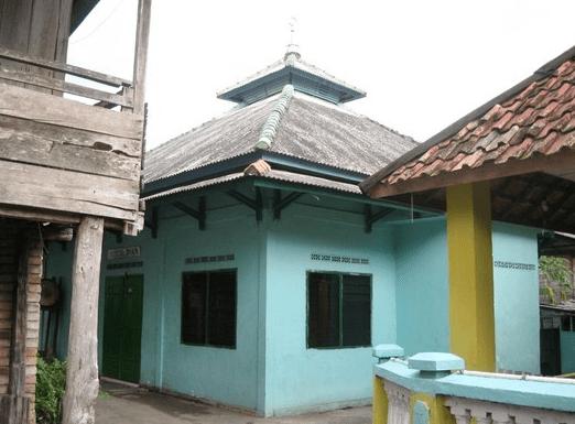 Langgar Nurul Iman – Kelurahan Gelumbang