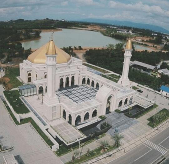 Masjid Agung Al-Falah di Batulicin