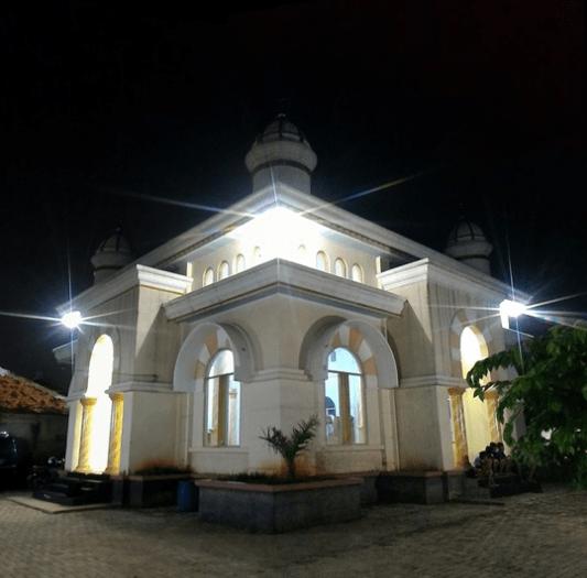 Masjid Jami' Al-Anam – Telukjambe, Karawang