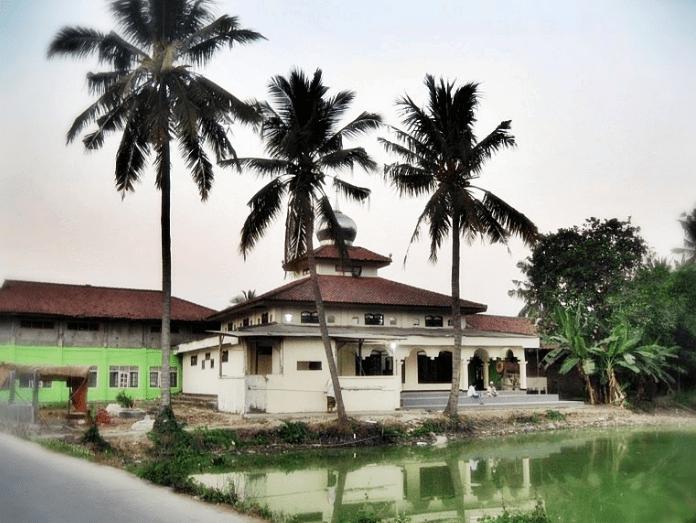 Masjid Jami' Darussalam – Kampung Rawa Gebang