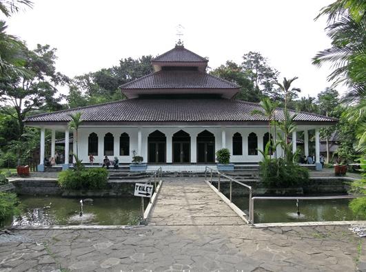 Masjid Kifayatul Abidin – Kebun Raya Bogor