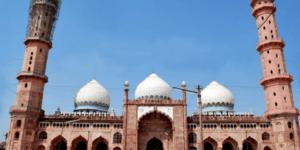Masjid Taj-Ul, Masjid Terbesar di India