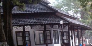 Mushola di Komplek Pemakaman Adipati Singaperbangsa