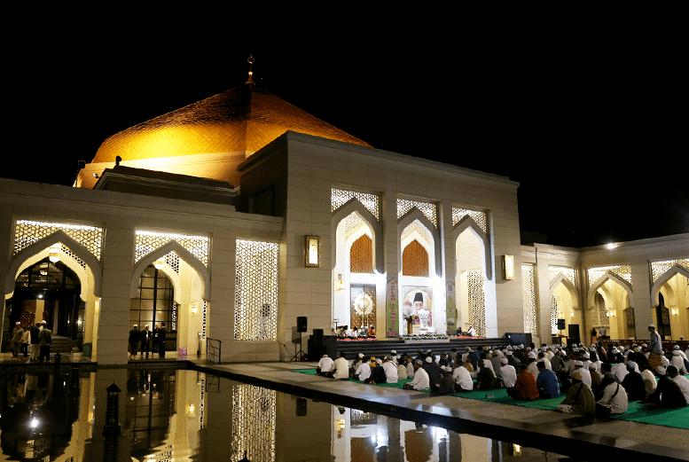 exterior Masjid Agung Al-Falah di Batulicin
