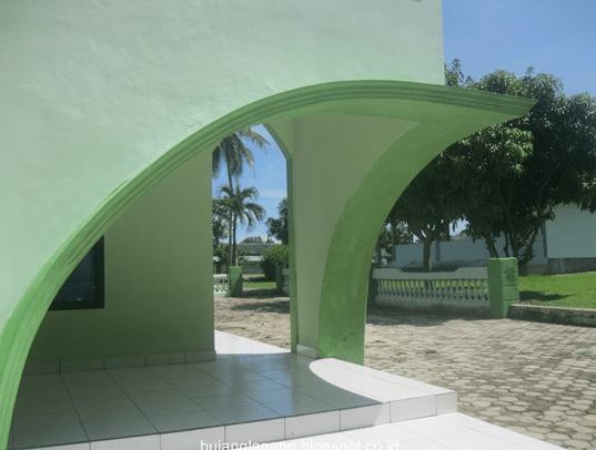 exterior Masjid Al-Amanah Kodim 0421 Lampung Selatan