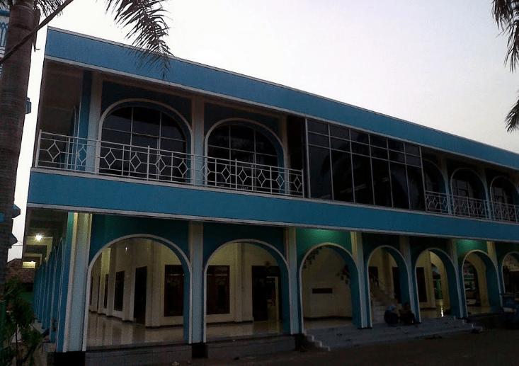 exterior Masjid Besar Al-Hidayah, Cibitung Kaum