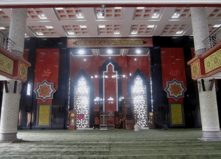 interior Masjid Agung At-Taqwa Balikpapan