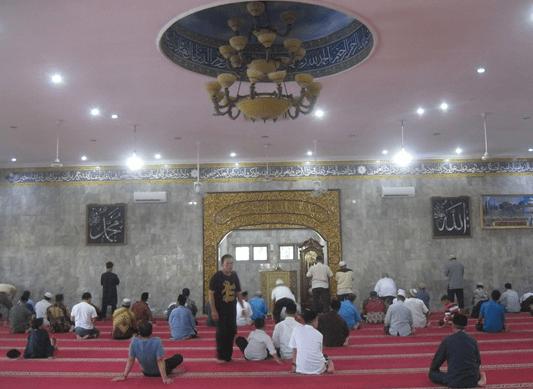 interior Masjid Assa'adah Polda Sumsel