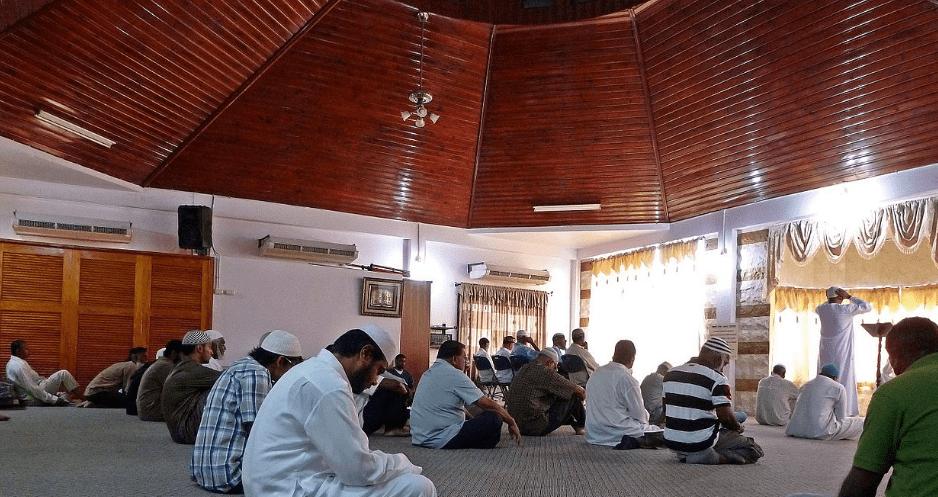 interior Masjid Calcutta – Masjid Pertama di Trinidad & Tobago
