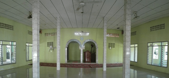 interior Masjid Darusalam Pilar, Serang