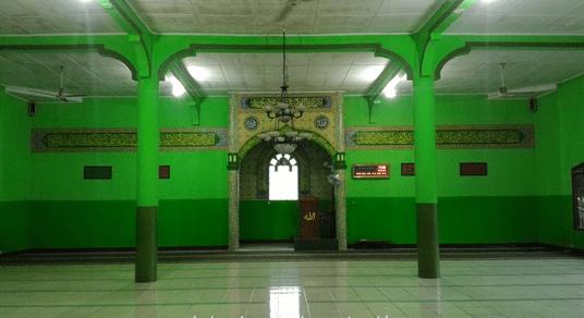 interior Masjid Jami' Al-Barkah Dusun Kawali