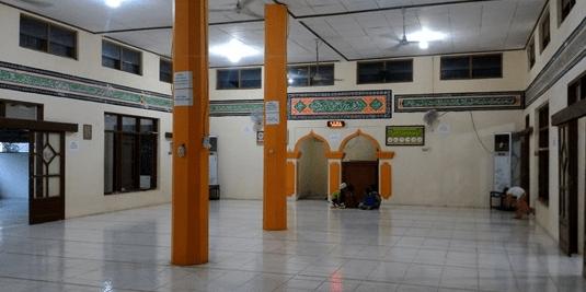 interior Masjid Jami' Al-Ikhlas Sempu