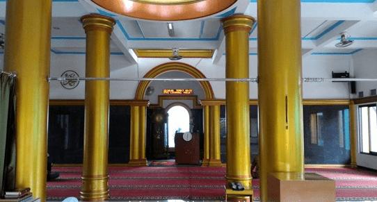 interior Masjid Jami' Arriyadhoh – Pasir Gombong